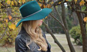 Добавляем к образу стильный аксессуар: выбираем шляпку