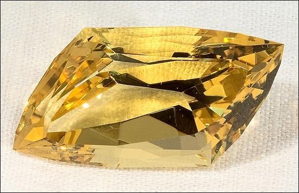 желтый хризолит