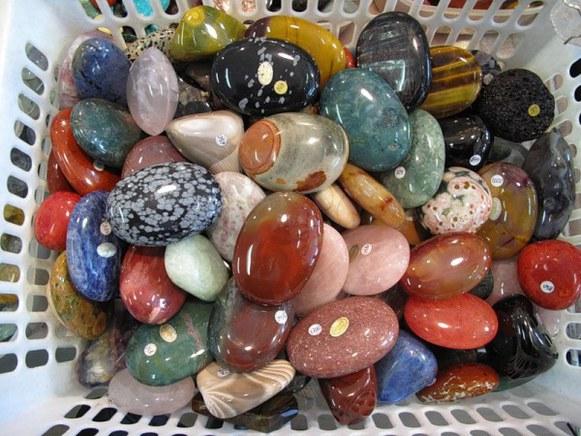 камни для сентября